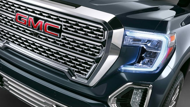 Faro LED de pick up GMC Sierra 2019 Highbeam y parrilla multidimensional cromada
